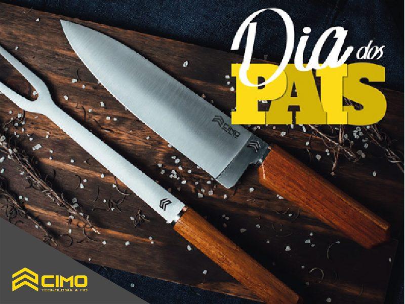 Imagem de uma faca e um garfo de churrasco sobre a mesa